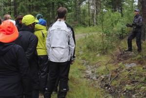 Torbjörn föreläser om användbar ved under en endagskurs 2014