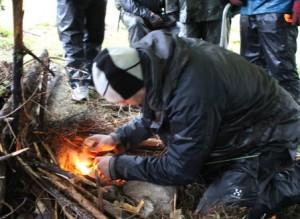 Överlevnadsutbildningens grundmoment, eld, måste övas under alla årstider.