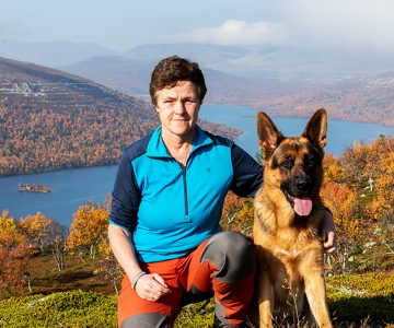 Eva Jarkenstedt Fjalledare med hund